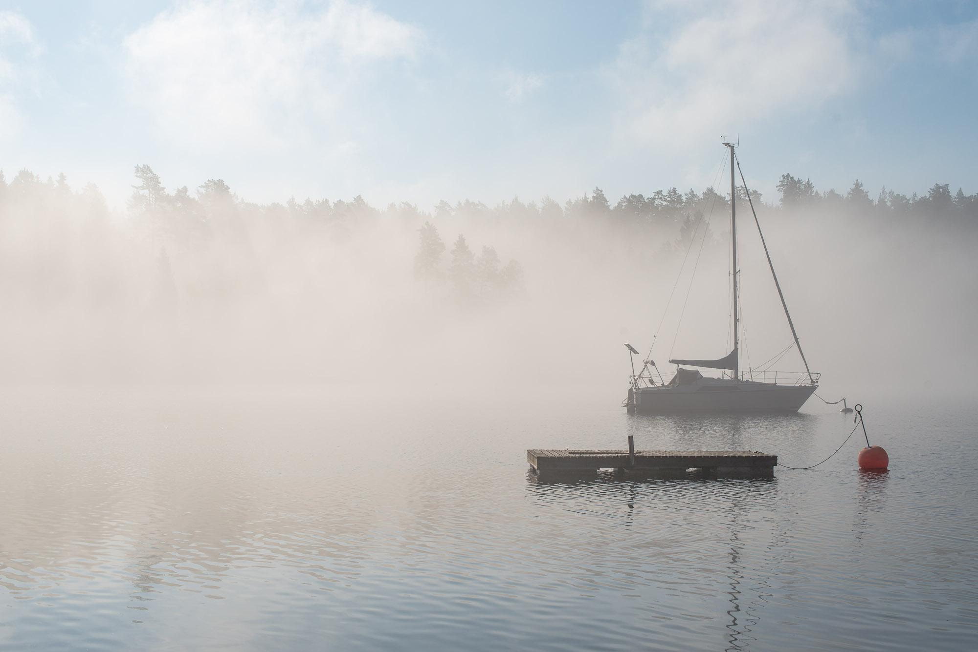Morgondimma på Ljusterö